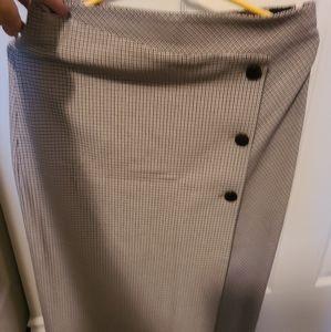 NEW Aritzia Babaton Skirt